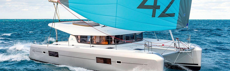 Catamarano Lagoon 42 prova la sensazione di sorvolare il mare-2.jpg