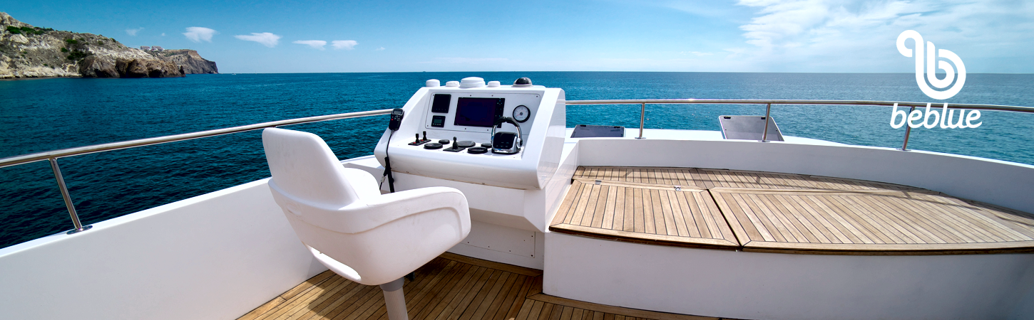 luxury-yacht2.png