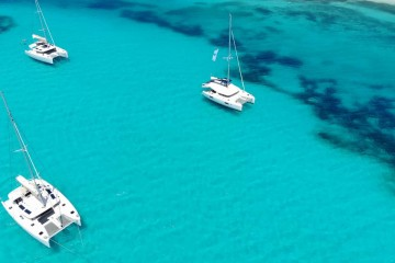 Grenadines and Tobago Cays:11 days catamaran cruise