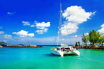 Saint-Martin and British Virgin Islands in catamaran
