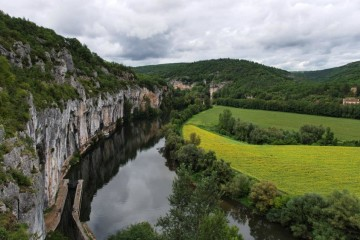 Douelle and Lot river, France: Houseboat cruise