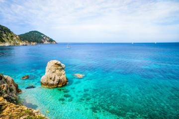Tuscany Archipelago: catamaran cruise