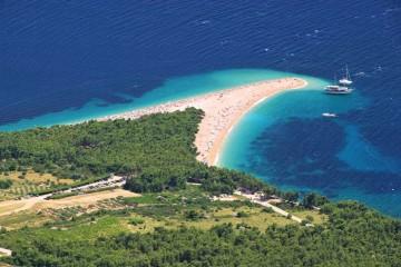 """All Inclusive"" catamaran cruise: Southern Croatia"