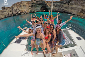 Bachelorette and Bachelor Party on a Sailboat
