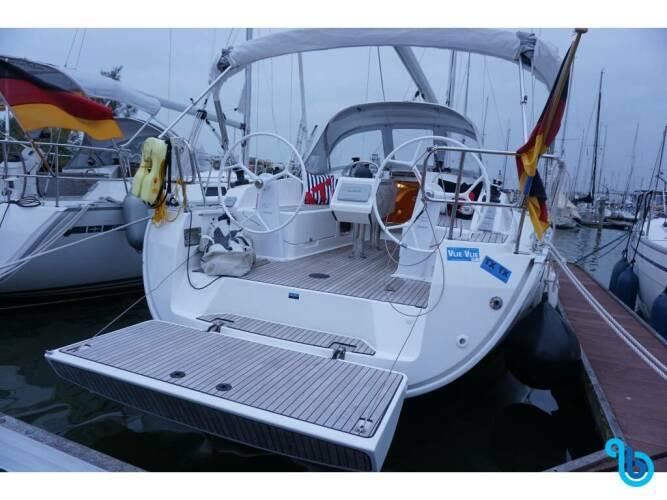 Bavaria Cruiser 37, Aventura