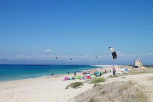 kite milos beach